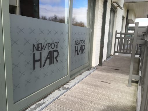Raamfolie – Newport hair
